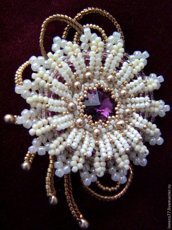 Купить Брошь Хризантема - брошь цветок, ручная авторская работа, хризантема, кристаллы сваровски, бисер