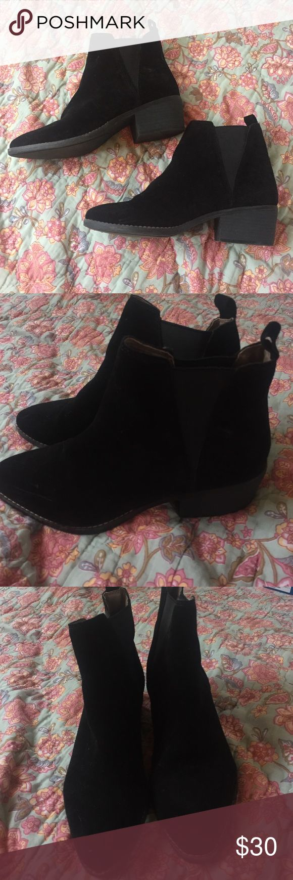 Black Booties White Mountain brand, never worn white mountain Shoes Ankle Boots & Booties