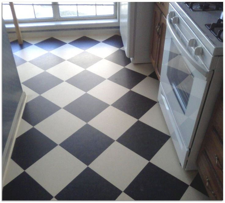 1000 images about bath on pinterest craftsman bathroom for Checkered lino flooring
