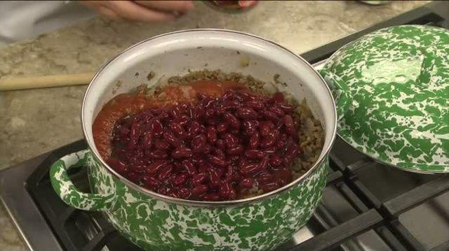Mr. Food: BBQ One-Pot Chili