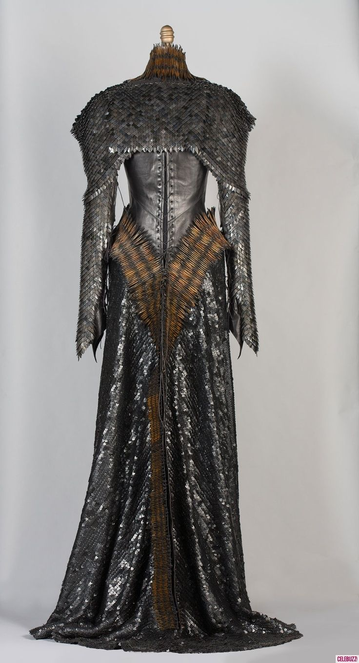 Back view: Ravenna wears this chainmail dress in Snow ...