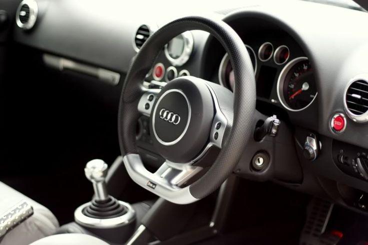 Audi RS4 B7 Flat Bottom Steering Wheel installed in a Mk1 ...
