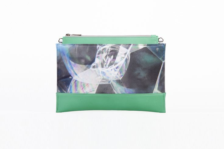 Bodycon clutch / Green bubble pattern #BLACKLIST #blacklistdesign #bodyconcollection #green #leather #canvas #bag #bagdesign #budapest #digitalprinted #bubble #pattern