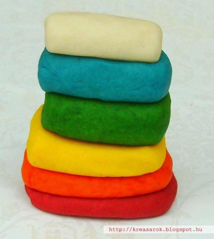 Gyurmából sosem elég! Készíts házi gyurmát vidám színekkel! #hazigyurma #gyurma #gyerek #kezmuves #diy #jatek