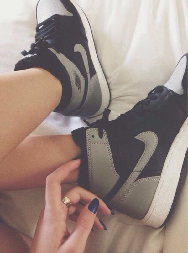 nike high top sneakers