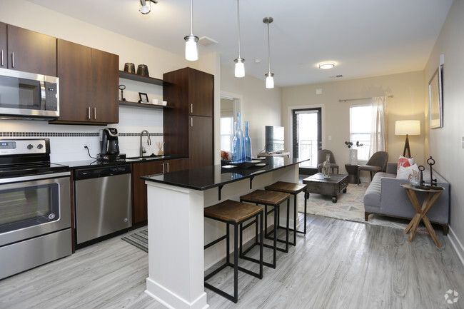 2 Bedroom Apartments In Grand Rapids Mi In 2020 One Bedroom Apartment 1 Bedroom Apartment 2 Bedroom Apartment