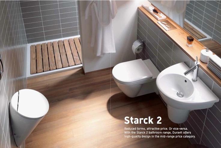 wooden slat shower floor...interesting!