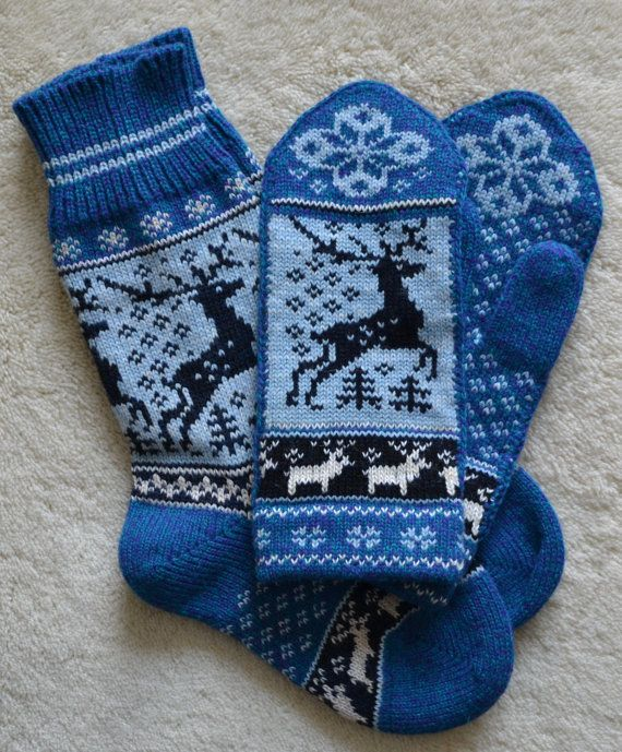 NORWEGIAN Scandinavian Hand Crafted 100% wool socks and mittens set, M / L, folk art, reindeer auf Etsy