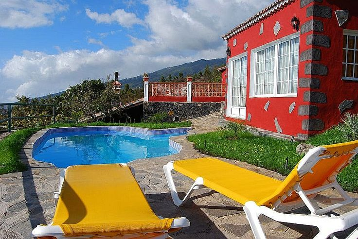 Vakantiehuis Pedro, landelijk gelegen op La palma met een zwembad.