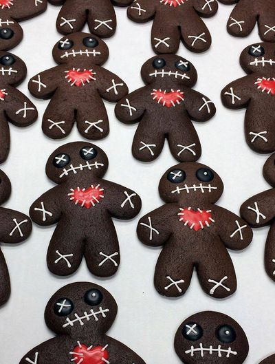 Voodoo cookies from Pudge Cakes...want to make a healthy vegan version!!!!