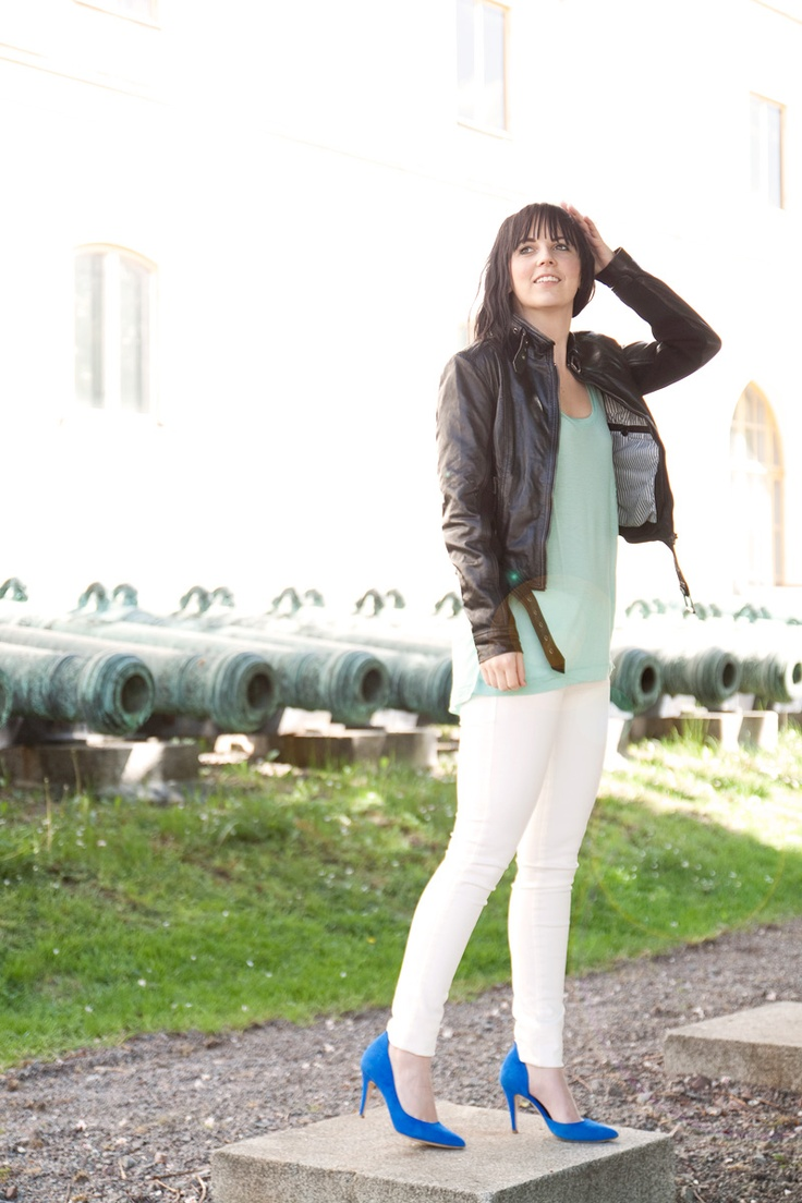 Todays ouftit, jacket from PrimeBoots, top and shoes from by Malene Birger, jeans from Fornarina.