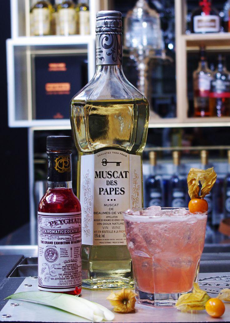 Idéal en apéritif: 2 oz Muscat des Papes amer aromatique ¼ oz jus de citron ¼ oz jus d'ananas raisin vert  #Cocktail #Muscat #DIY