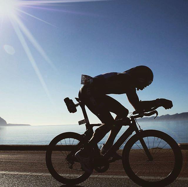 #buenosdias #triatletas ya listo para que la próxima semana publiquemos datos de otra prueba distancia Ironman y algunos comentarios sobre la posición aerodinámica. . #triathlon #triathlete #longdistance #triatlon #aerodinamic #bike