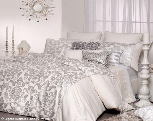 6 Pce Moritz Snow  QUEEN Bed Size Quilt / Doona Cover Set LOGAN & MASON New