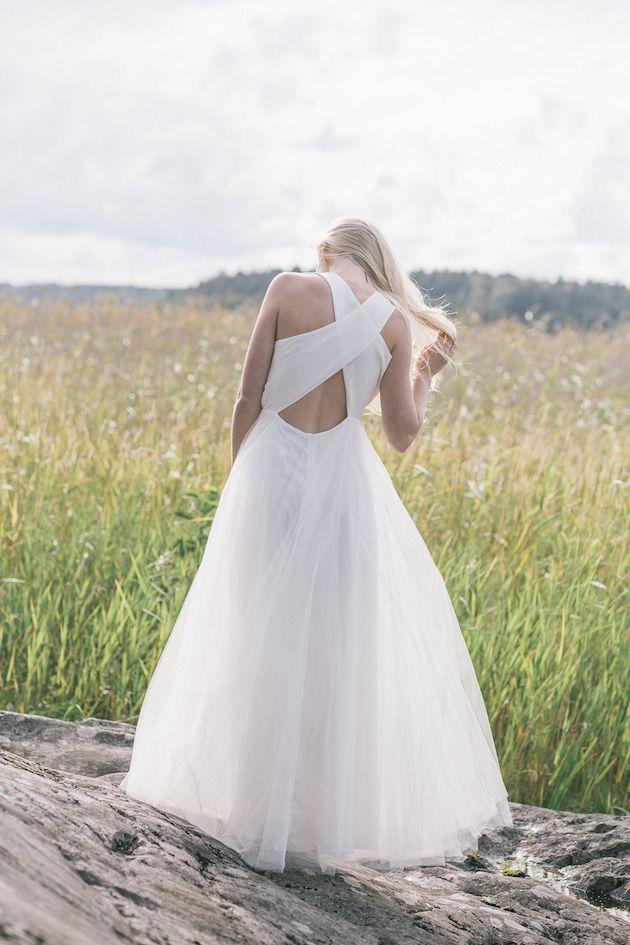 Robe de mariée dos nu bretelles croisées - Robe: Minna Wedding Dress Collection - Bridal Musings Wedding Blog