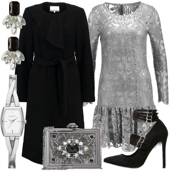 Gli+accessori+di+questo+outfit+sono+un+idea+regalo+da+mettere+sotto+l'albero.+Per+un+pensiero+non+impegnativo+ma+di+effetto+ecco+gli+orecchini+in+metallo+e+strass.+L'orologio+al+quarzo+in+acciaio+è+un+classico+che+ogni+donna+gradisce+ricevere.+La+pochette+rigida+color+silver+si+abbina+perfettamente+agli+orecchini.+Il+vestito+in+tessuto+dévoré+ricorda+gli+anni+80.+Cappotto+classico+a+giro+collo+con+particolare+balza+sul+davanti.+Décolleté+in+tessuto+scamosciato.