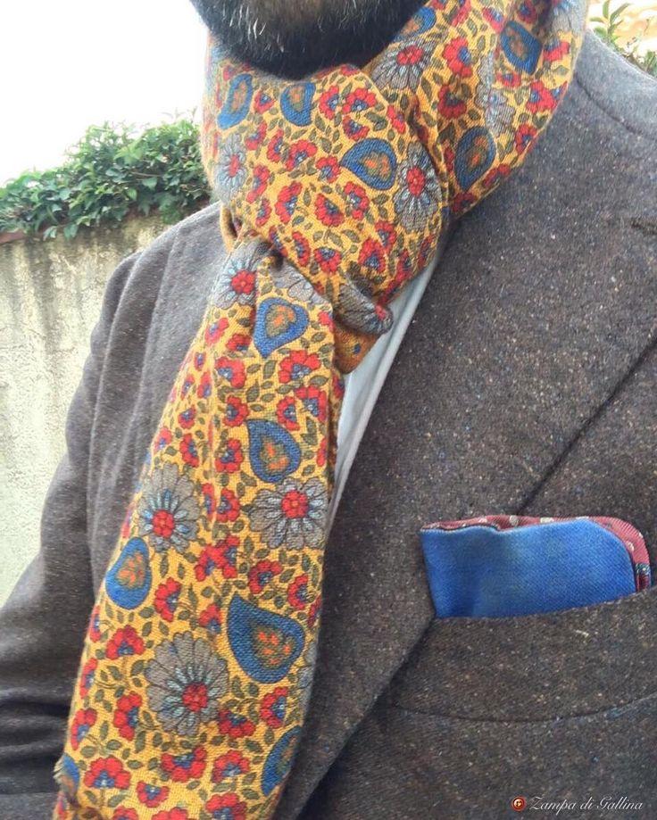 ZAMPA DI GALLINA — Merino wool scarf : Calabrese 1924   Available at...