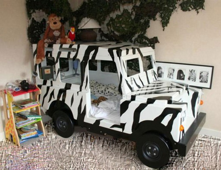 Safari Jeep Bed - reminds me of the van we got a the wild animal park!  Don't like the decor, like the bed!