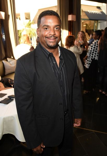 'Dancing With the Stars' Season 19 Cast: Alfonso Ribeiro Tweets 'Love,' Still Competing In Semifinals After Injury? [VIDEO]