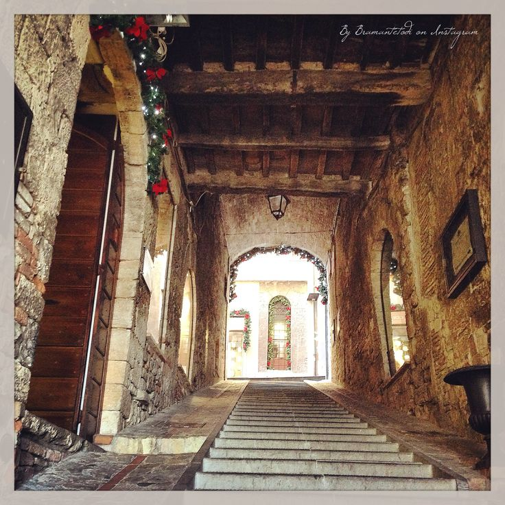 Christmas spots in Todi old town
