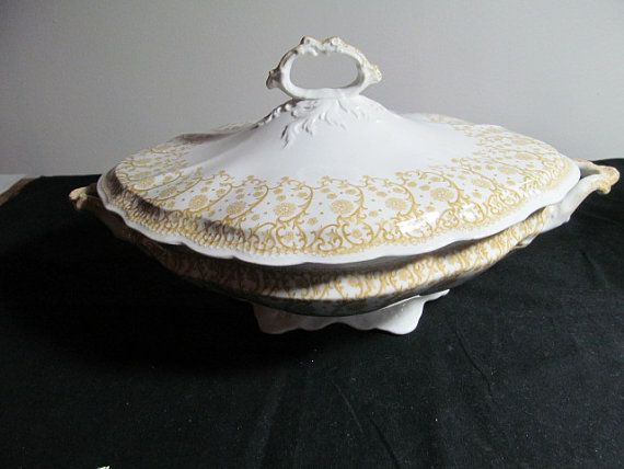 covered poreclain casserole  dish Waverley Johnson Bros Brothers made in England gold and white Vintage 1950s