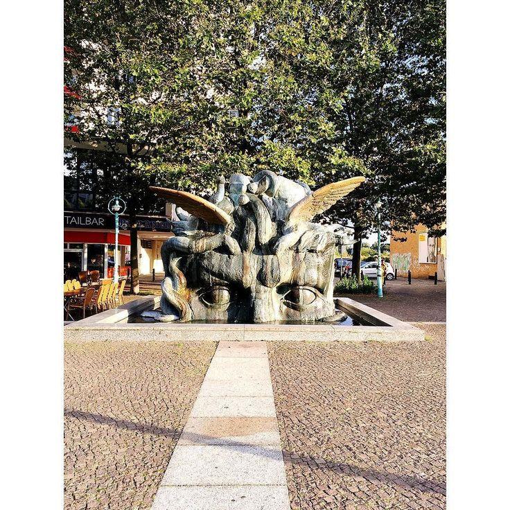 F O U N T A I N Found a fountain. Made a wish. . . . . #berlin #fountain #thatsdarling #thehappynow #pursuepretty #wandeleurspark #makeyousmilestyle #abmlifeissweet #abmlifeiscolorful #abmsummer #abmathome #flashesofdelight #petitejoys #livethelittlethings #dscolor #livecolorfully #liveauthentic #foundforaged #theblogissue #nothingisordinary #finditliveit #howisummer #howyouglow #prettylittlething #colorventures #thatcolorproject #myunicornlife #diewocheaufinstagram
