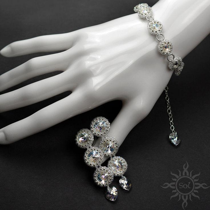 #elegantjewelry #sparklingjewelry #crystaljewelry #rhinestonejewelry #Swarovskijewelry #weddingfashion #beadwovenjewelry #weddingset #heartjewelry #crystalheart #weddingjewelry #bridaljewelry  #whitesilver #romanticjewelry #elegantbridal