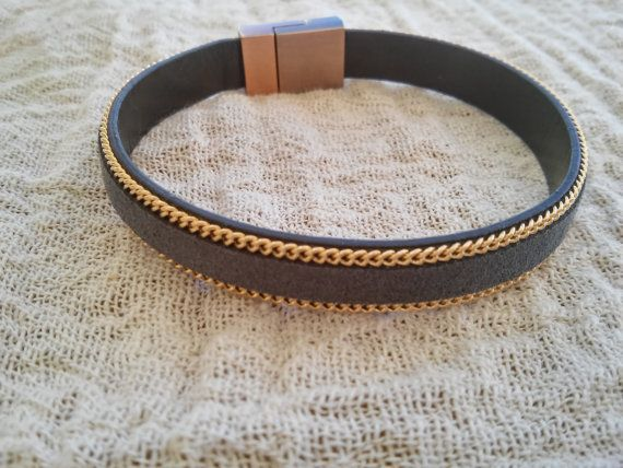 Grey suede bracelet with gold tone chain lining Grey by GIASEMAKI