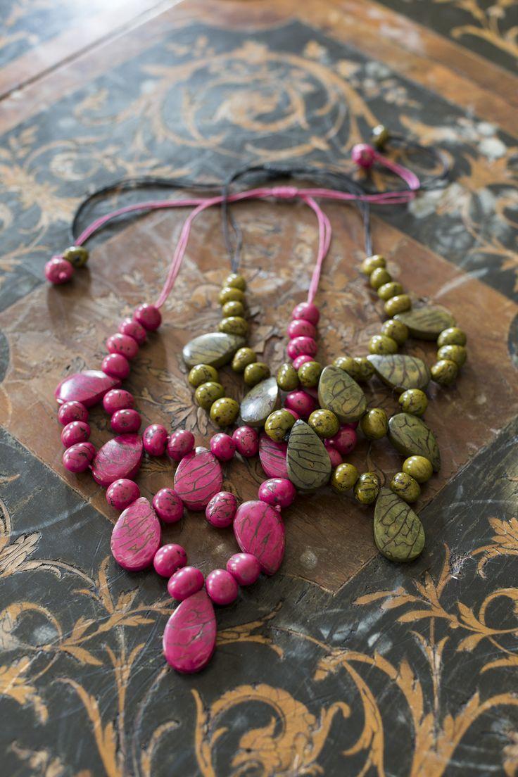 Handmade jewellery from Equador, by Denise Cruz. Fairtrade.