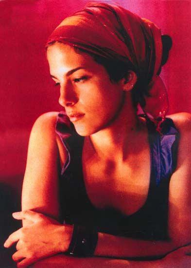 Ceu http://itunes.apple.com/us/album/caravana-sereia-bloom/id511972644: Photos, Céu Music, Head Scarves