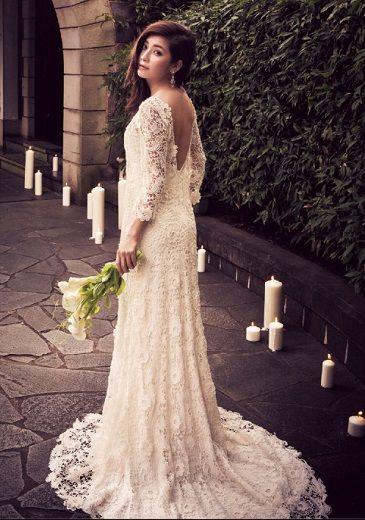 大人の色っぽさが漂う総レースのドレス。作り込まないあえてのダウンへアが、ムードたっぷり♡ #AneCan #wedding #weddingdress #ウェディング #ウェディングドレス #森絵里香