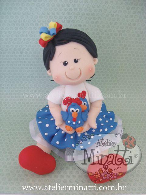 Topo de bolo personalizado... com a Galinha Pintadinha! by FERNANDA MINATTI - ATELIER MINATTI, via Flickr