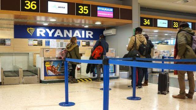 Η Ryanair αλλάζει την πολιτική για τις βαλίτσες από 1η Νοεμβρίου
