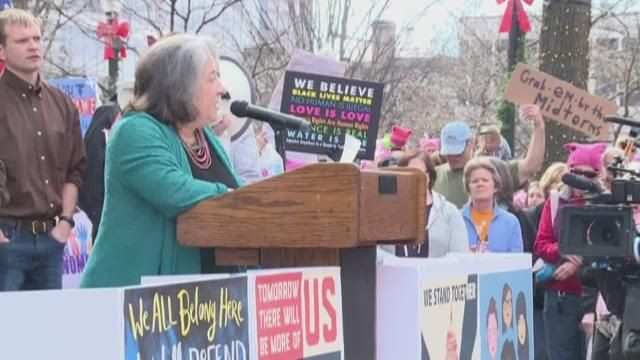 wbir.com | More than 14k people attend Knoxville's Women's March 2.0; KPD calls event 'successful'