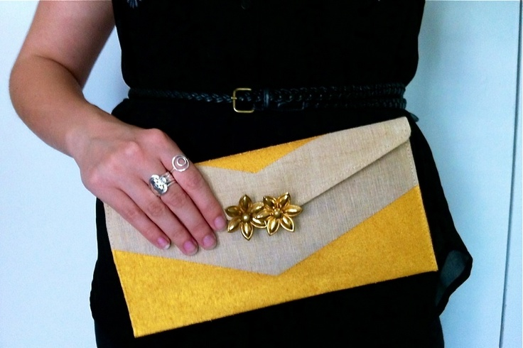 The pop of sunshine yellow makes this DIY clutch a must-have for summer nights!