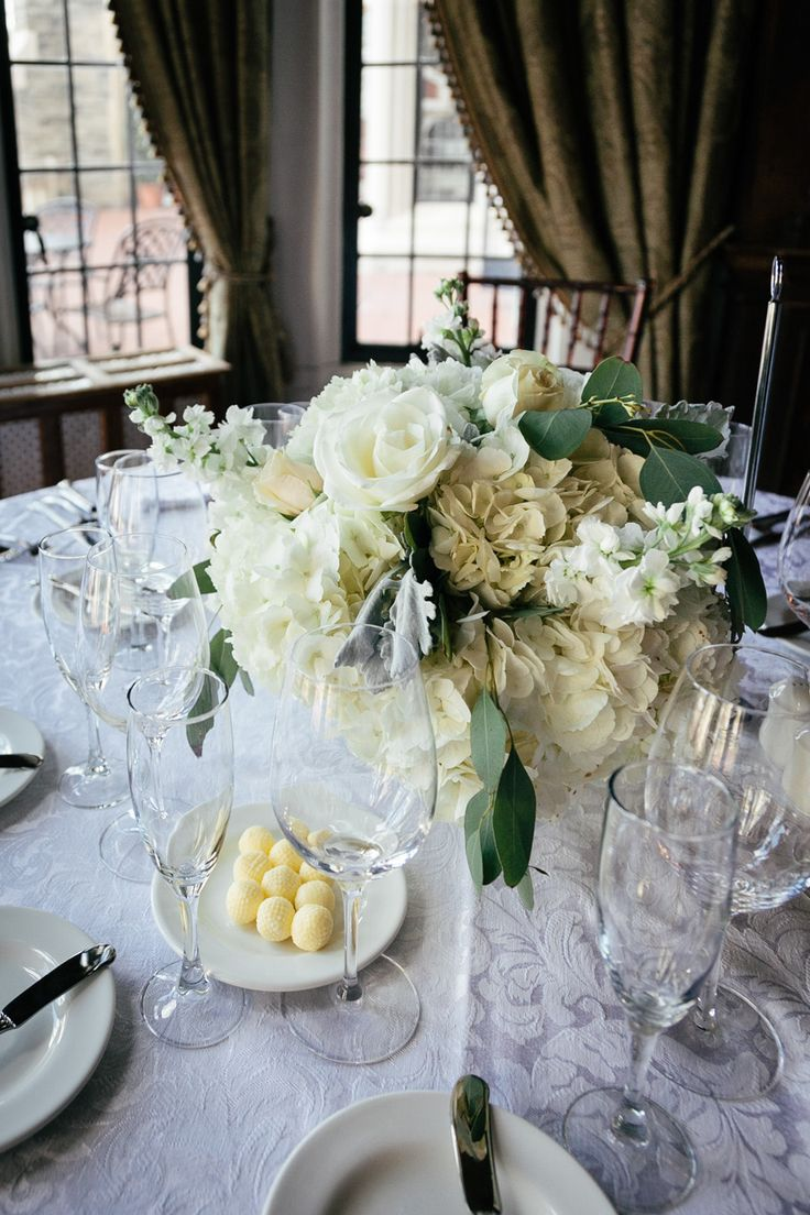 Centrepiece - Hydrangeas and White Roses http://www.fusion-events.ca/