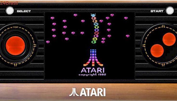 Apostando na nostalgia, Atari apresenta consoles portáteis com 50 jogos clássicos