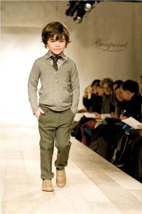 wondering Raya wore these outfit when he is at the boy's age. and with the same haircut! must be soooo gorgeous.