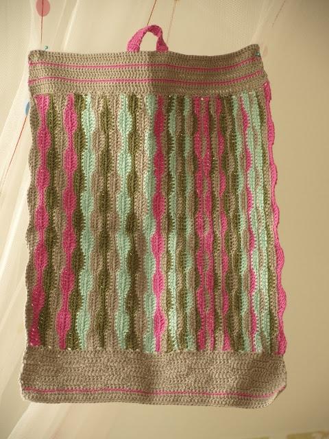 Fru Obenhaupt: Hæklet håndklæde