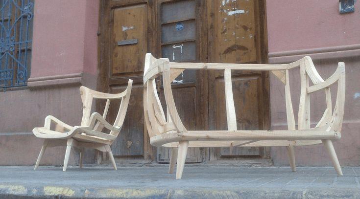 Esqueletajes de sillón y sofá. Foto © Pedro Bonache