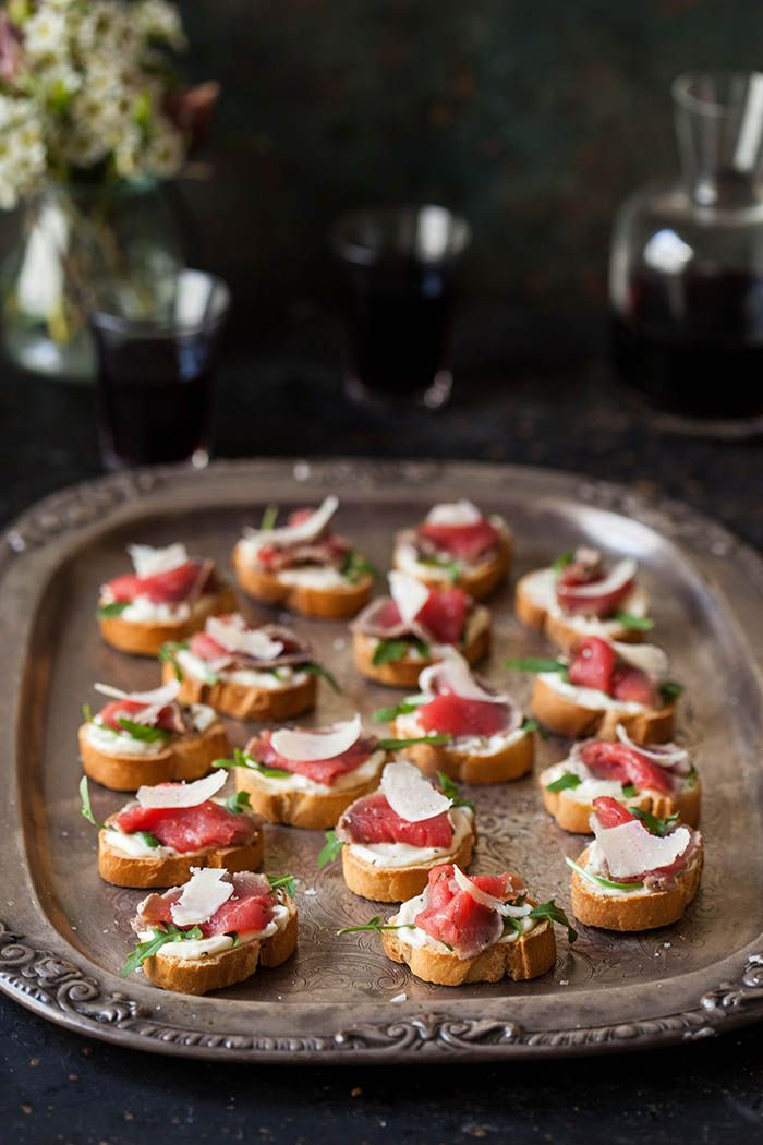 Best 25 rare roast beef ideas on pinterest cooking for Roast beef canape