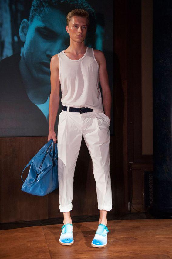 London FW S/S 2015 - Jimmy Choo See all fashion show at: http://www.bookmoda.com/?p=10975 #summer #SS #catwalk #fashionshow #menswear #man #fashion #style #look #collection #london #fashionweek #jimmychoo @Jimmy Choo