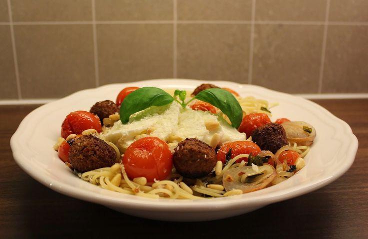 Storesøsters Kjøkken: Spaghettini med bakt tomat og middagsboller