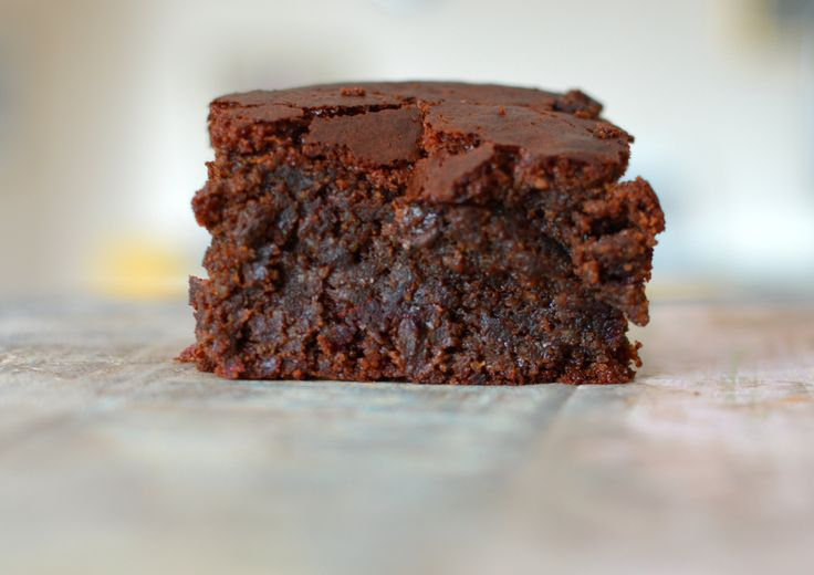 Beetroot chocolate brownie - grain free and refined sugar free. Yum X