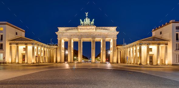 Panorama Of The Brandenburger Tor At Night Night Architecture Germany Panorama