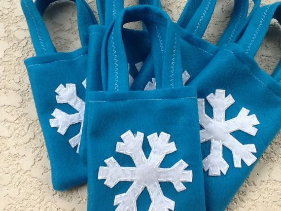 Frozen Party bags Set of 6 snowflakes party bags by BellisimaSofia