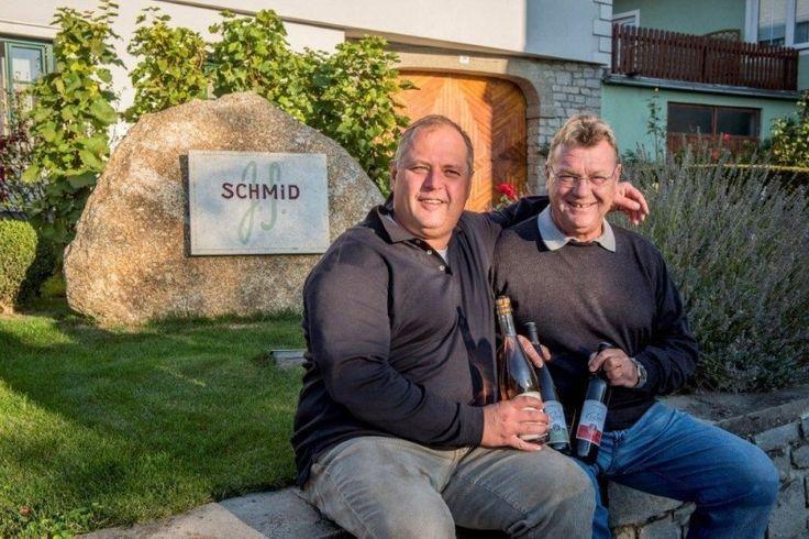 Neuwirt's Haus & Hof Winzer Josef Schmid mit Senior-Chef Raimung