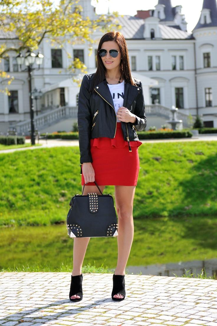 #fashion #fashionista nero rosso Addicted to blog di moda: giacca peplo rosso e biker