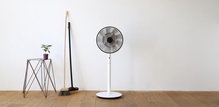 バルミューダ | GreenFan Japan(グリーンファンジャパン)| 自然界の風を再現する扇風機