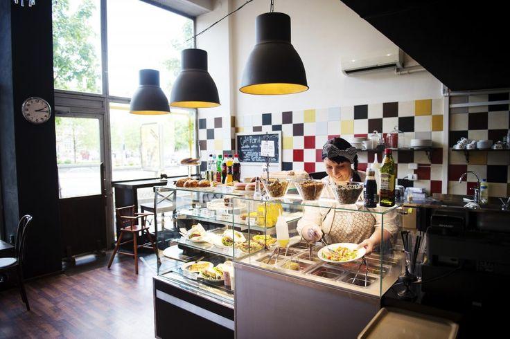 Kuntoutujien kahvila: Café Parvi työllistää nuoria ja leipoo mainioita sämpylöitä.